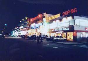 120.ガラパンストリートの夜.jpg