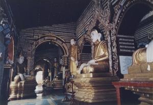 173.内部 58万体を超える仏像が.jpg