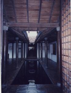261.パラダイスロードザギャラリーカフェ廊下1.jpg