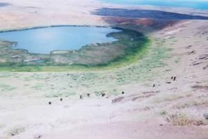 301.ラノララクの火口湖.jpg