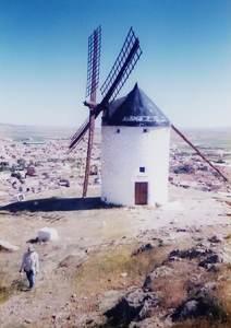 374.コンスエグラ風車.jpg