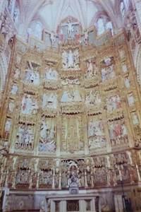 388.主礼拝堂の中央祭壇.jpg