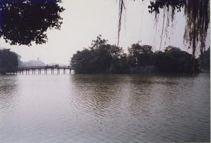 65.ホアンキエム湖1.jpg