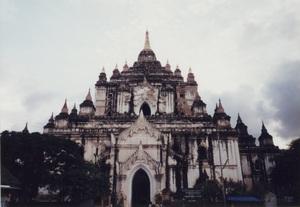 91.タビィニュ寺院.jpg